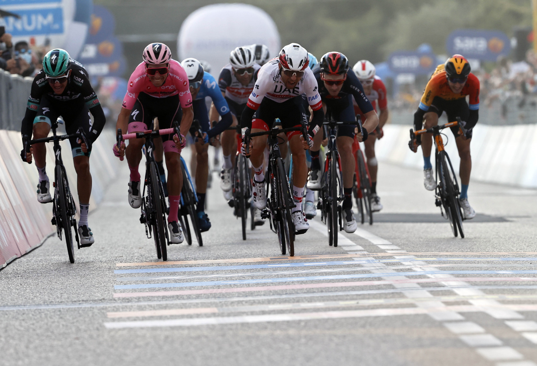 Ulissi sprints to second stage win at Giro d'Italia in Monselice