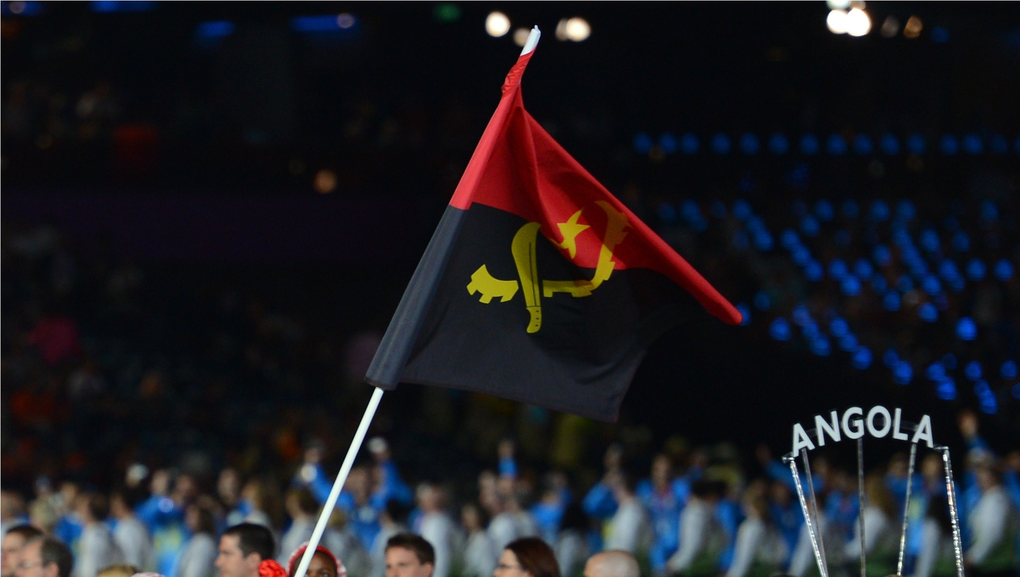 Angolan Olympic Committee pay tribute to Moscow 1980 flagbearer Lopes