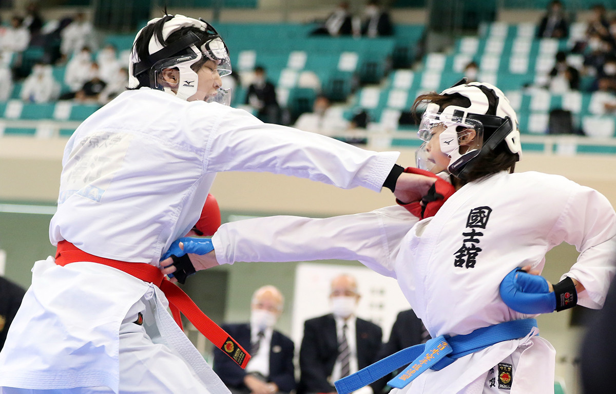 Athletes at the event were required to wear face shields to prevent the spread of the virus ©WKF