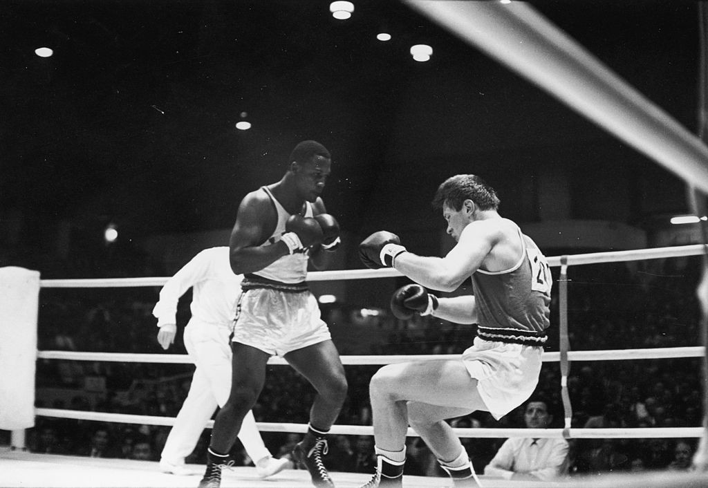 Joe Frazier, left, won Olympic boxing gold at the Tokyo 1964 Games ©Getty Images