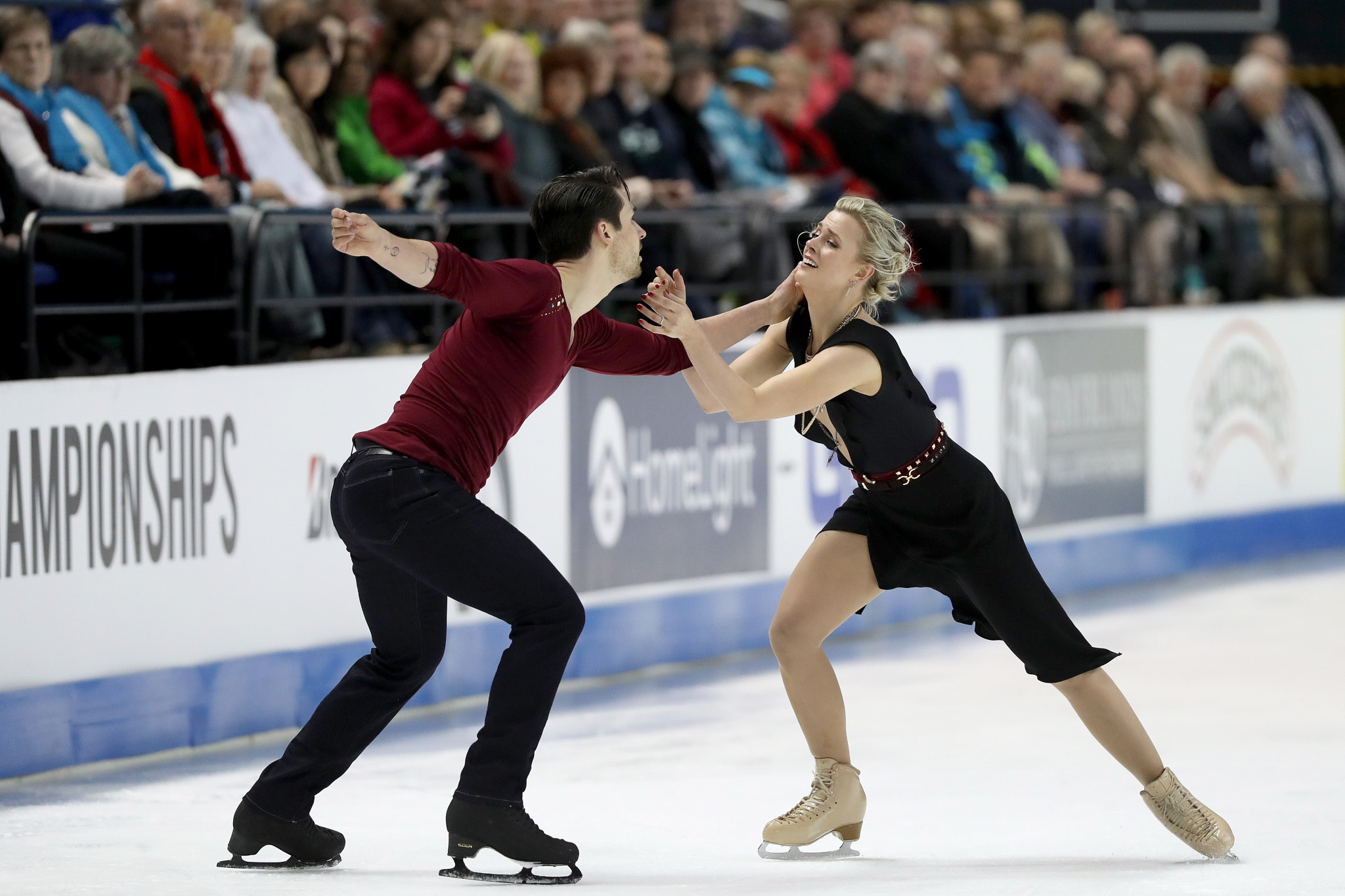 Zachary Donohue and Madison Hubbell are the clear favourites for the ice dance title at Skate America ©Getty Images
