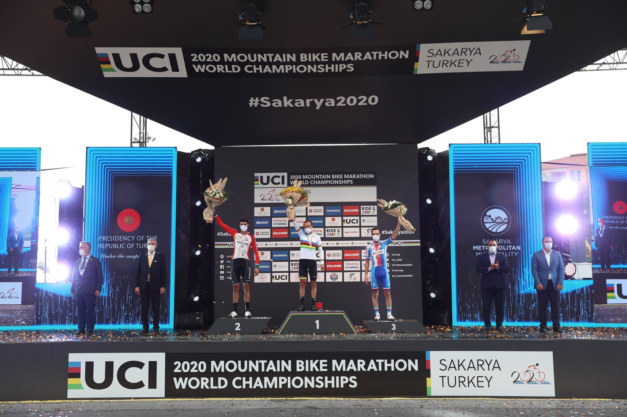 Páez powers home to retain UCI Mountain Bike Marathon World Championships crown