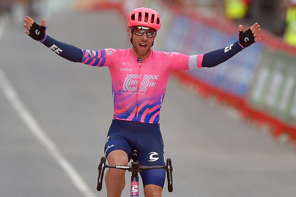 Woods wins stage seven and Carapaz maintains Vuelta a España lead