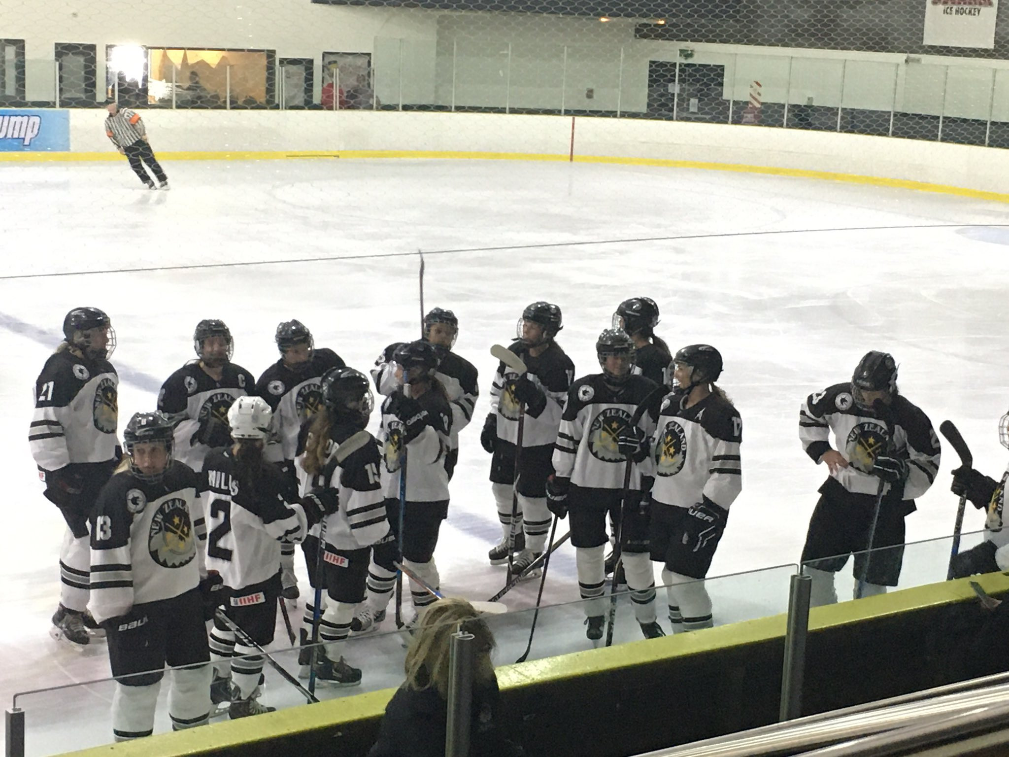 New Zealand's women's ice hockey team has withdrawn from the World Championship ©Twitter/@Colin_A_Surfer