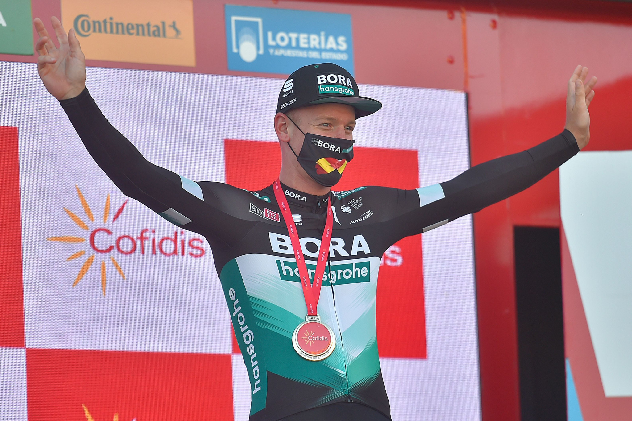 Ackermann wins stage nine of Vuelta a España after Bennett relegated