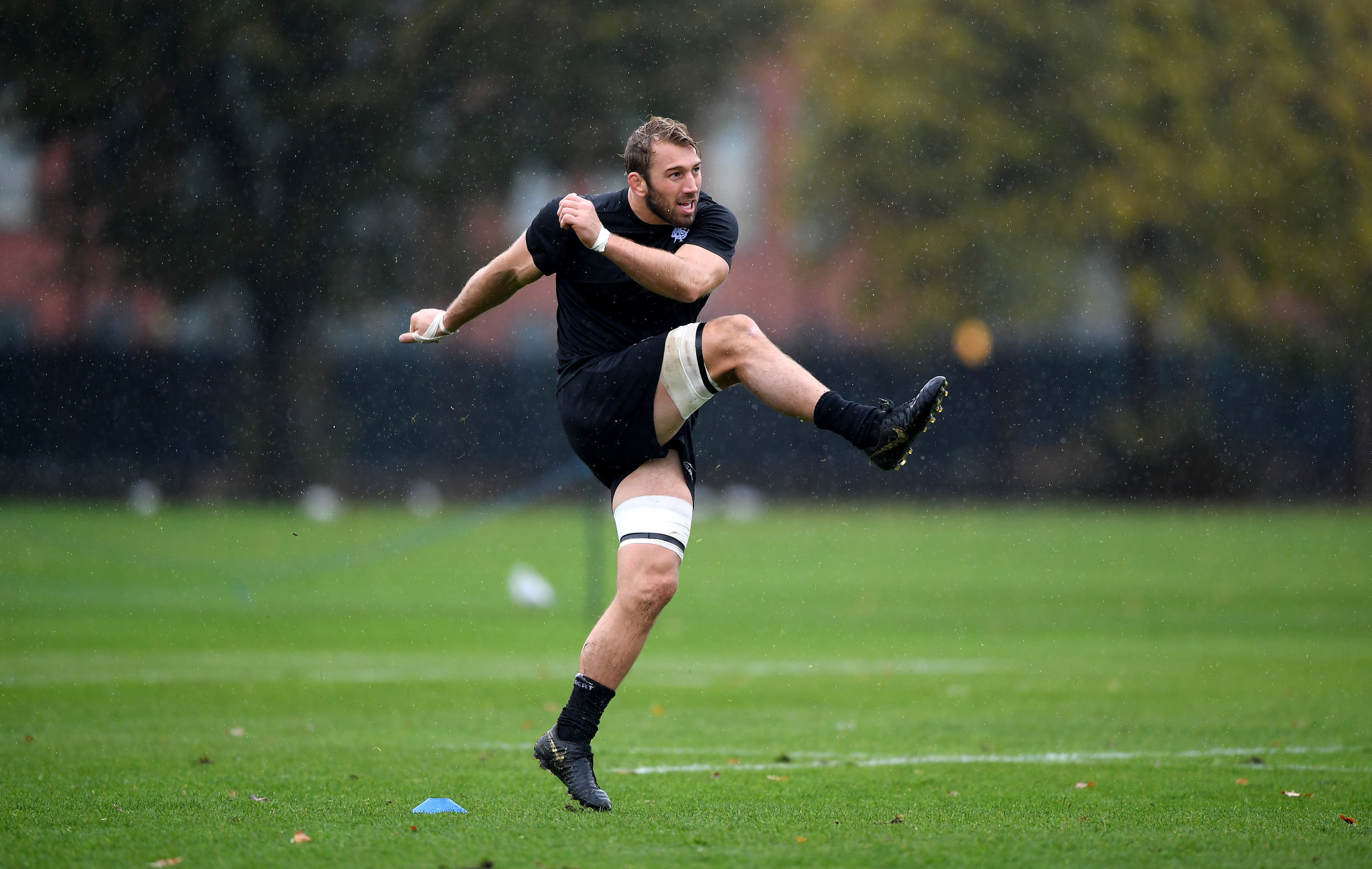 Former England captain Chris Robshaw is among the Barbarians players to breach COVID-19 protocol ©Getty Images