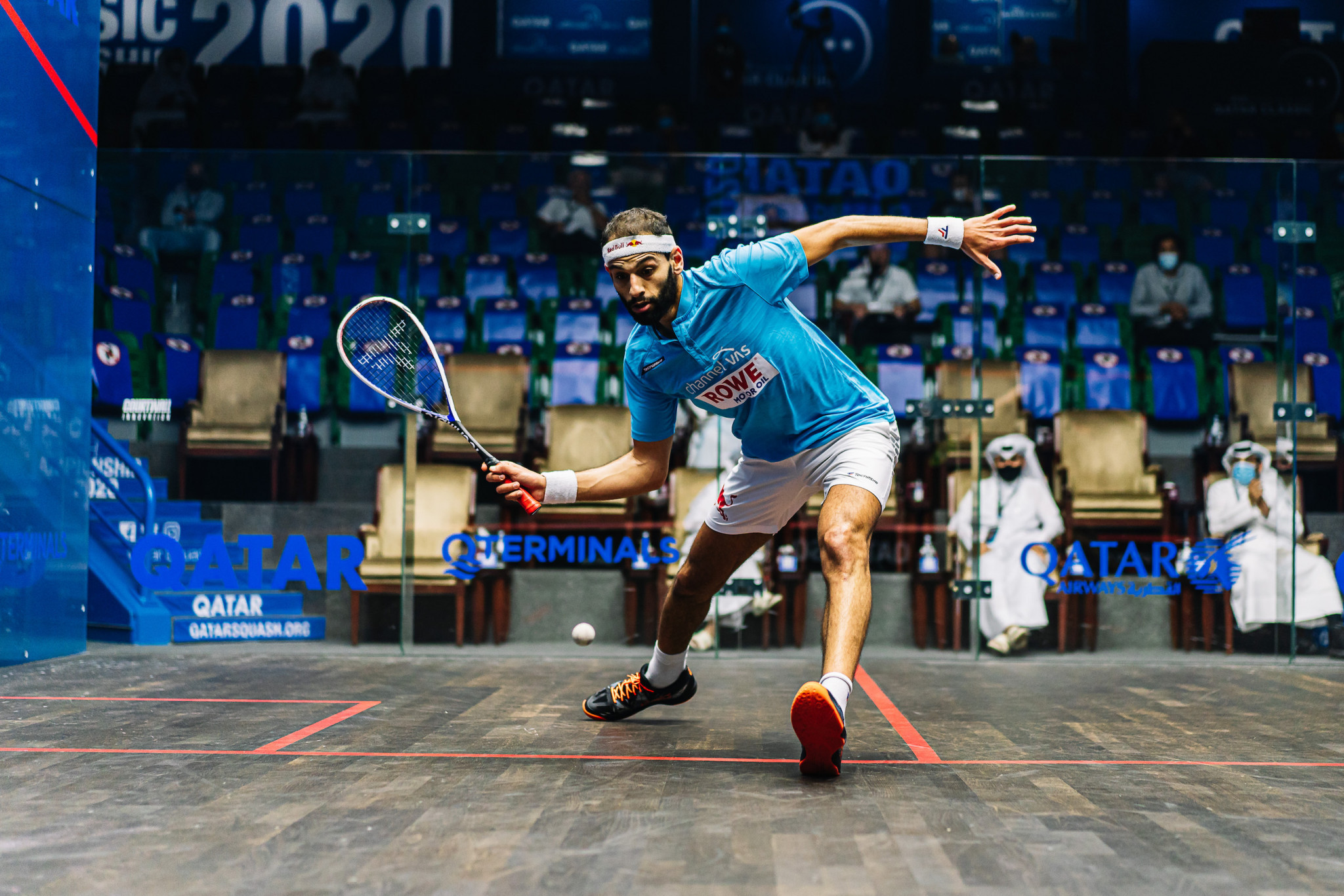 Top seed ElShorbagy through to third round of PSA Qatar Classic