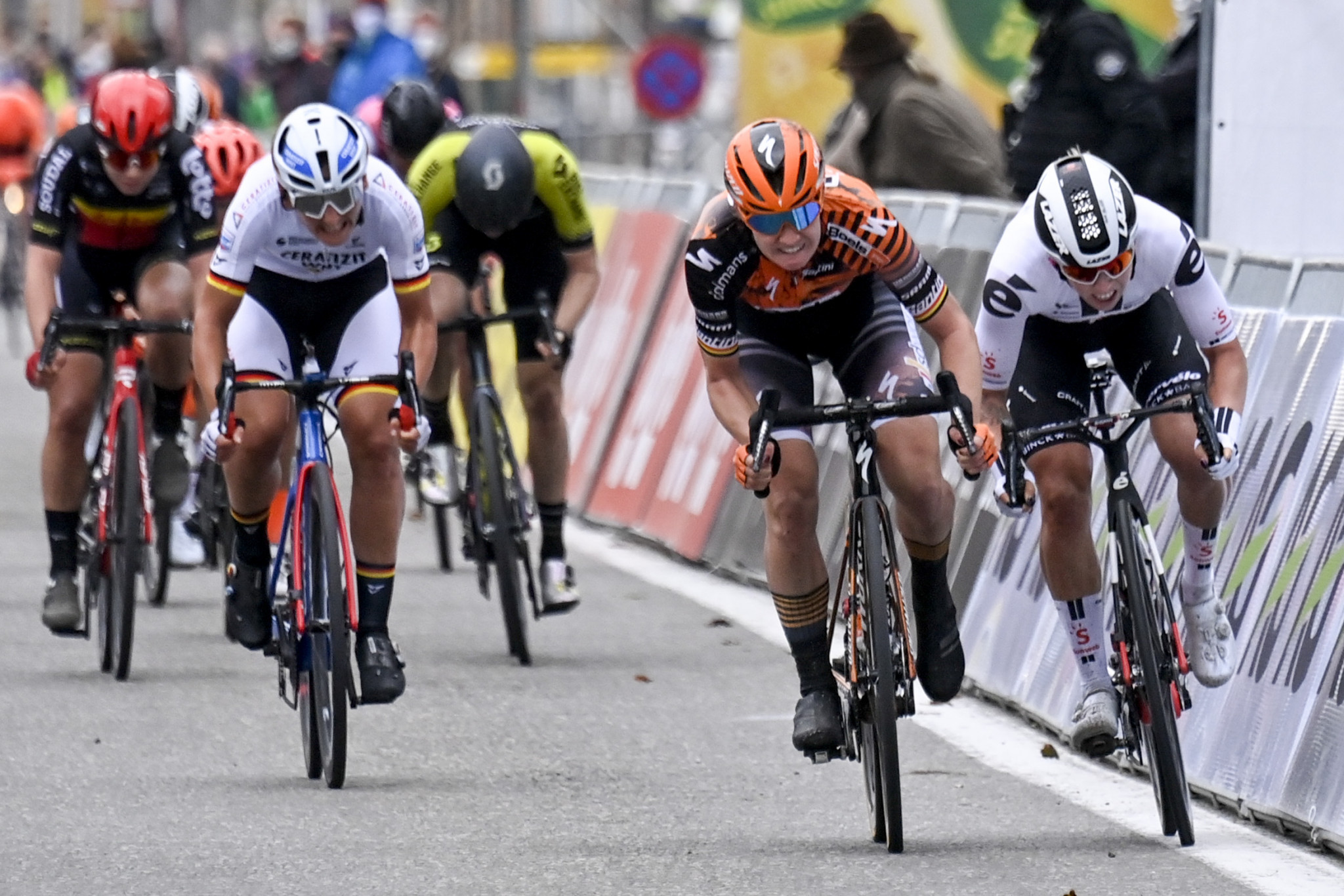 Wiebes backs up Bruges-De Panne triumph with Madrid Challenge stage win