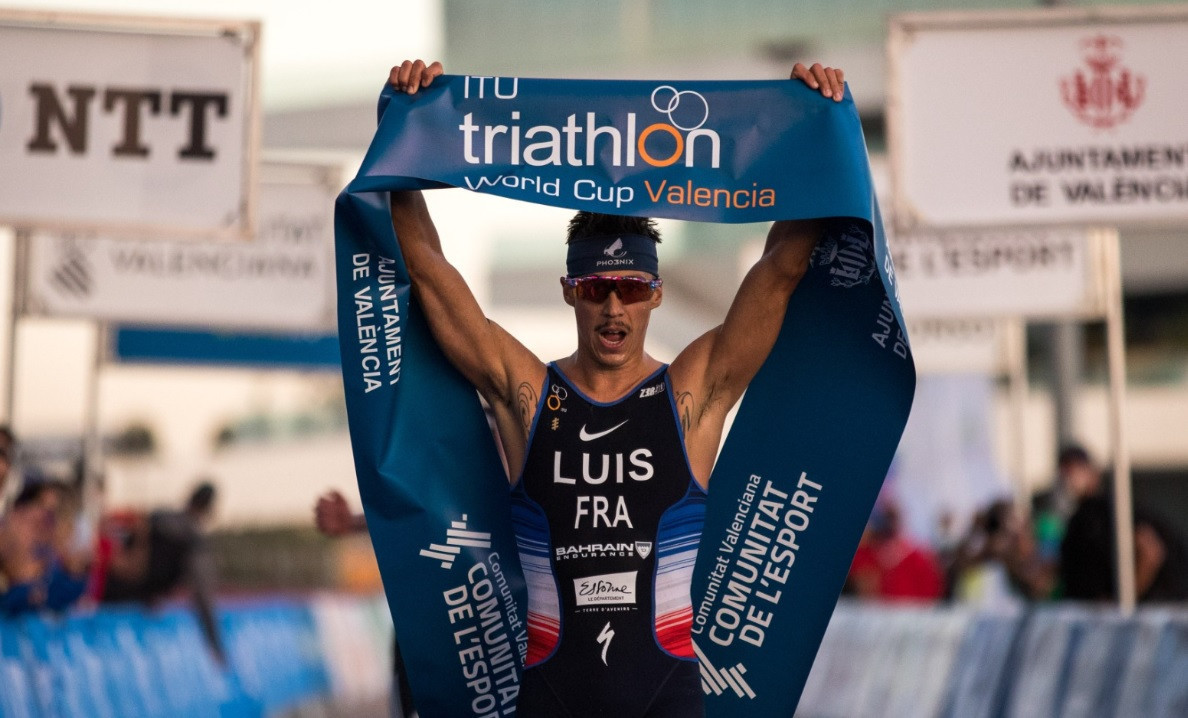 Luis finishes season with back-to-back Triathlon World Cup victories