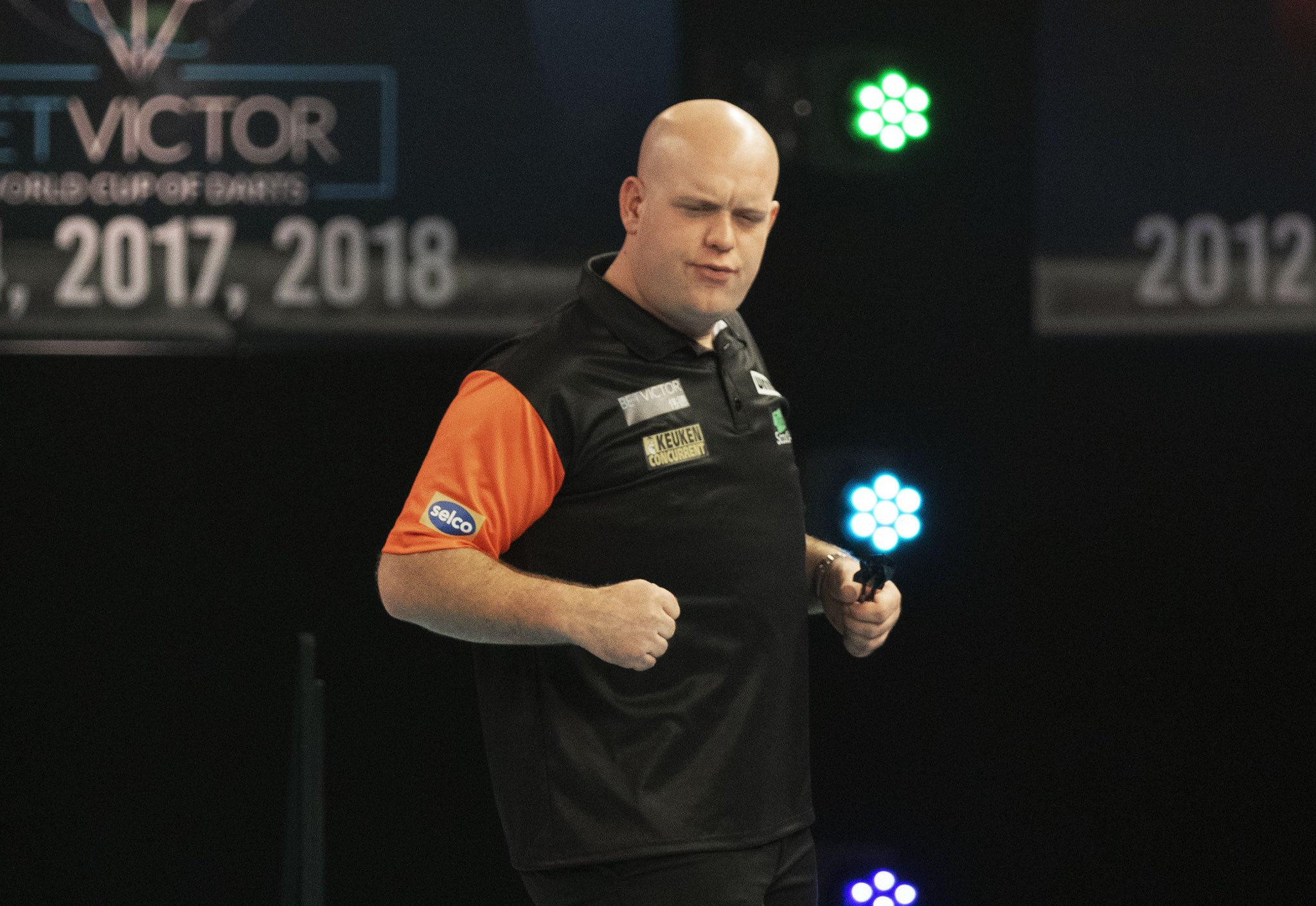 Wales knock Scotland out to reach World Cup of Darts quarter-finals