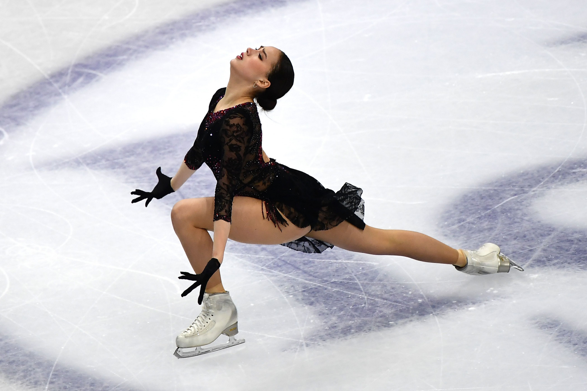 Zagitova performs at figure skating event in Moscow