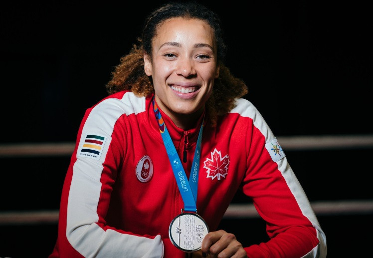 Canadian boxer Tammara Thibeault was presented with her silver medal from the Lima 2019 Pan American Games ©COC