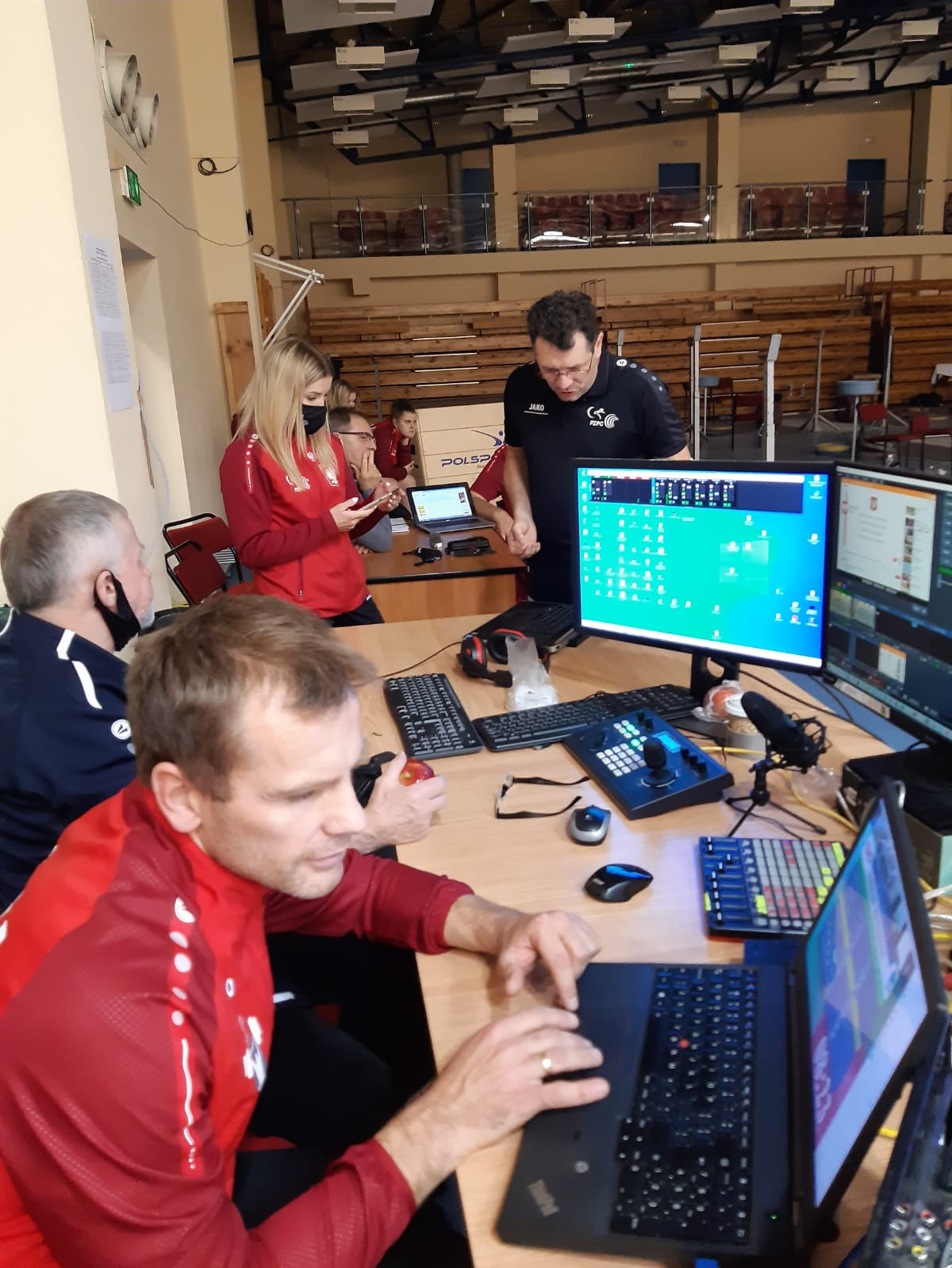 Officials in Poland managing the livestream that keeps their lifters in the competition ©PZPC