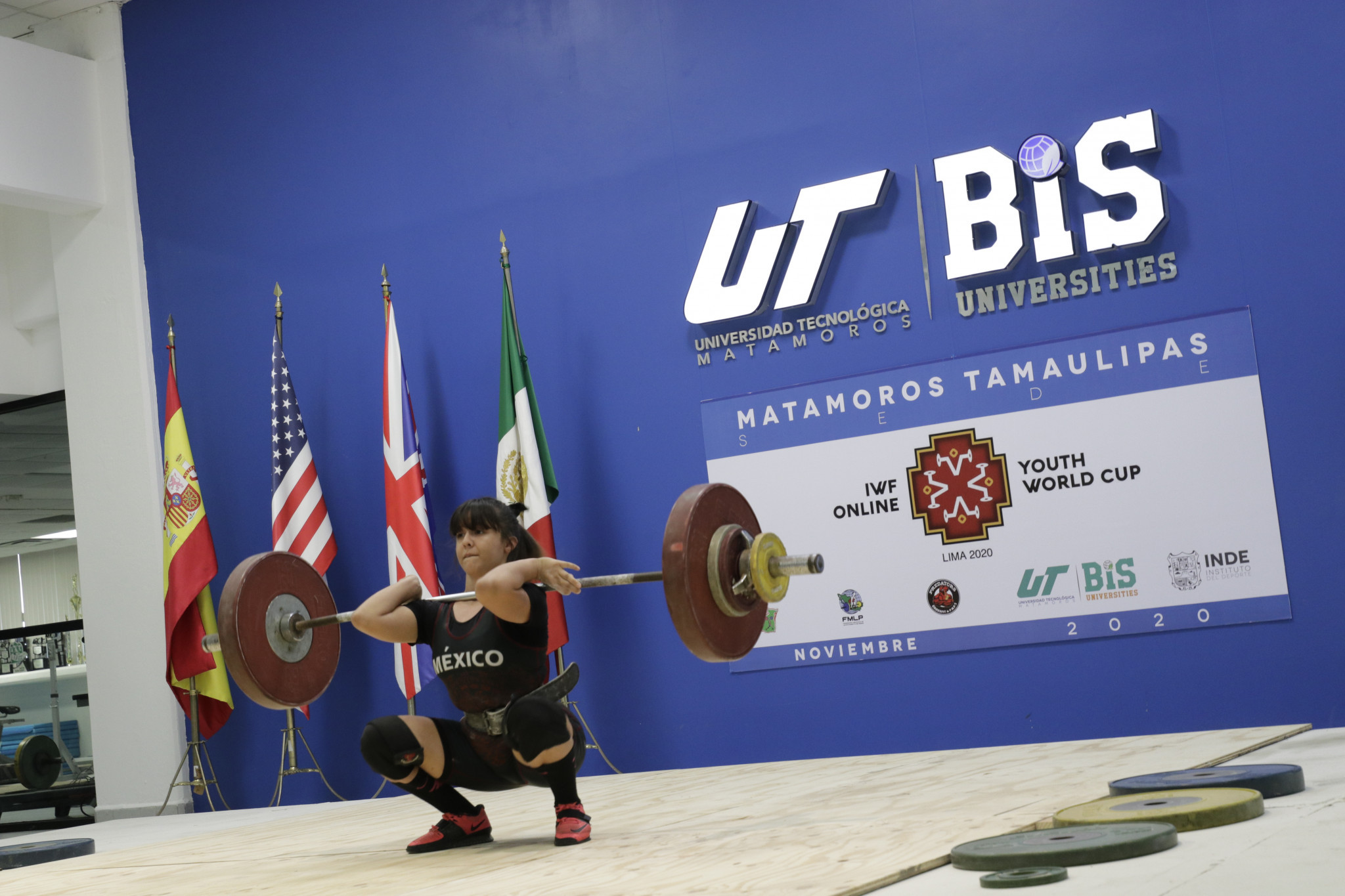 Cassandra Velez of Mexico won three gold medals - the first lifter at the World Cup to win all titles on offer ©Mexico Weightlifting