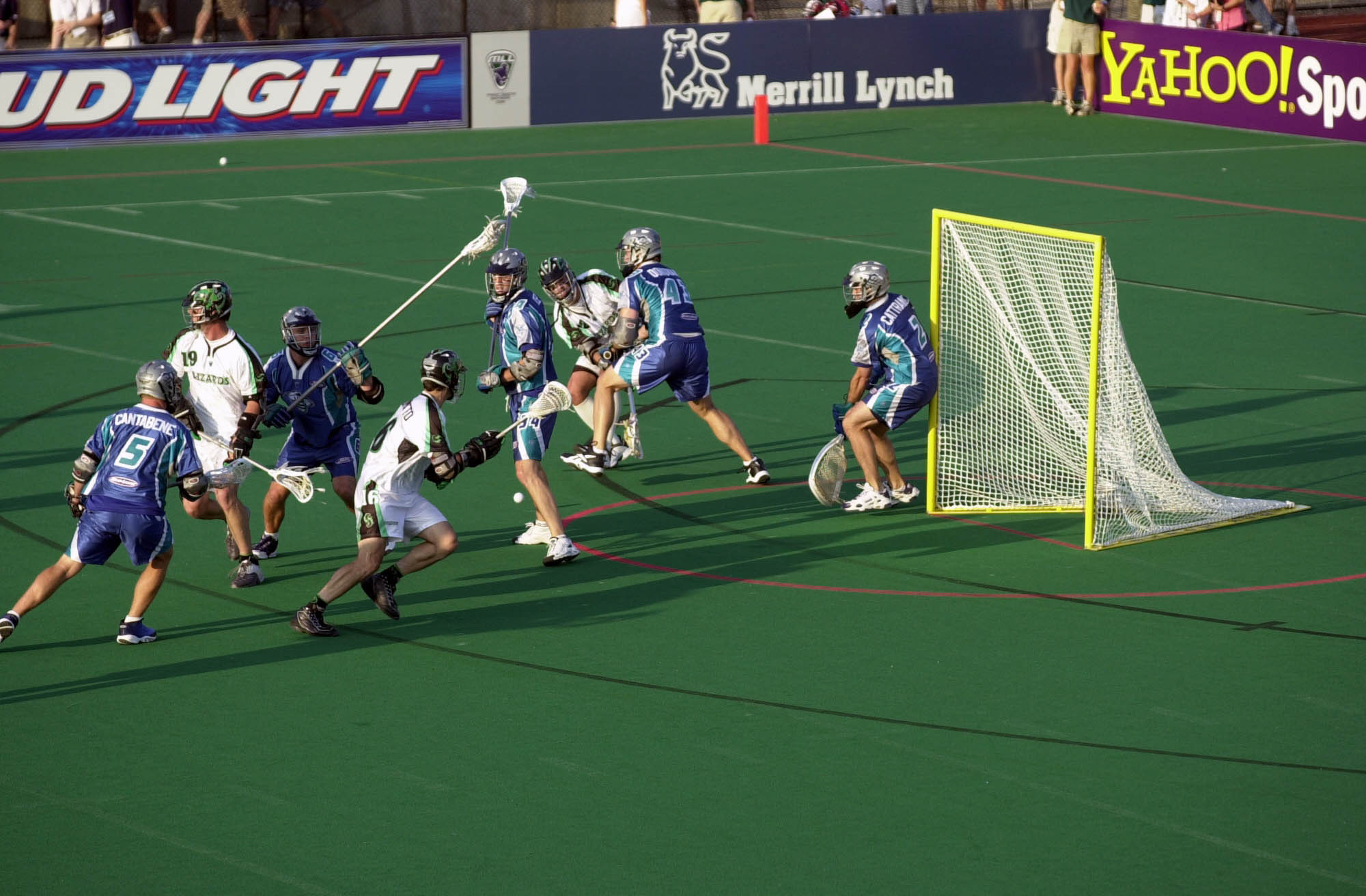 Lacrosse normally features 10 players on each side but a smaller discipline is being developed ©Getty Images