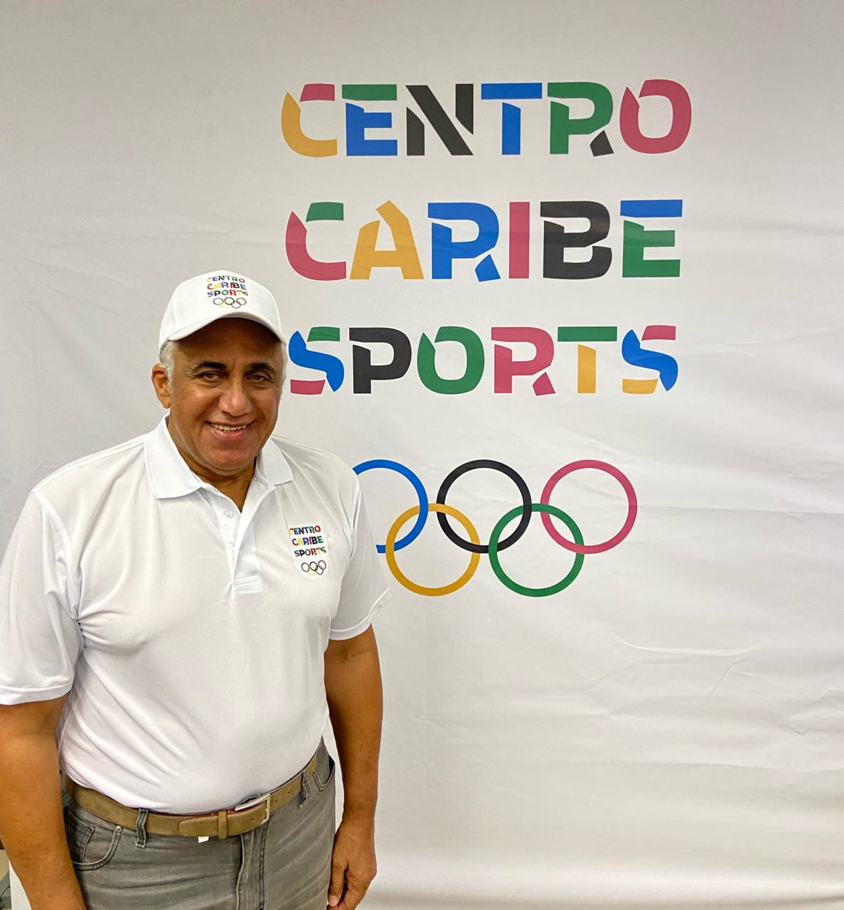 Luis Mejia made the announcement of the two bidding cities ©Centro Caribe Sports