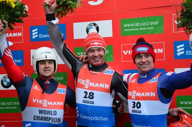 Loch avenges World Championships defeat with men's singles victory at Luge World Cup