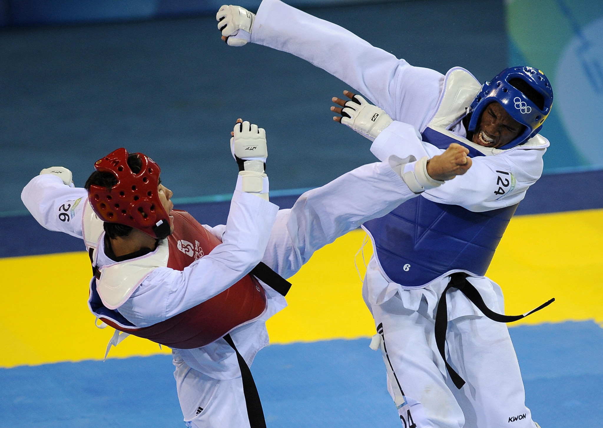 Chika Chukwumerije, in blue, is Nigeria's only Olympic taekwondo medallist, having won a bronze at Beijing 2008 ©Getty Images
