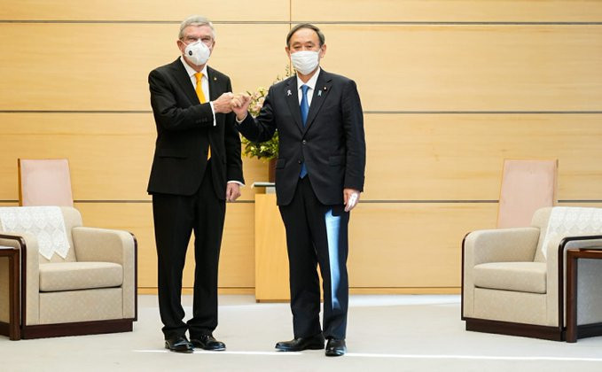 IOC President Thomas Bach met with Japan's Prime Minister Yoshihide Suga during his visit to Tokyo ©IOC