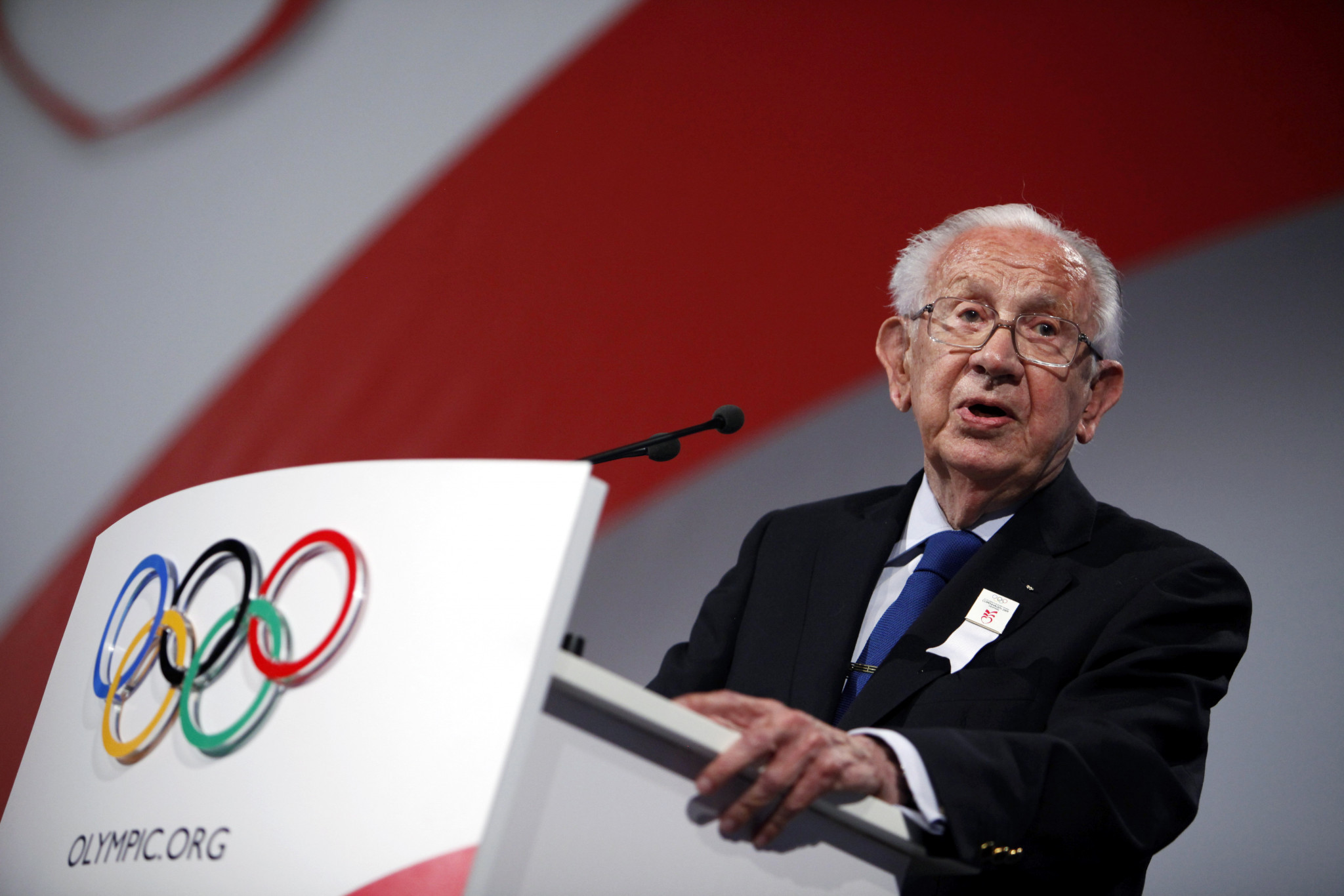 Former IOC President Juan Antonio Samaranch became one of the most travelled sports administrators ©Getty Images