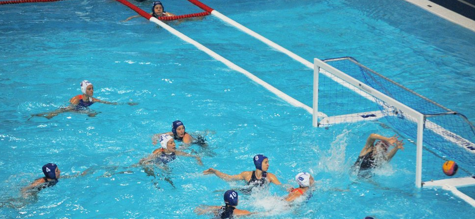 Dutch hold off Hungarian fightback to open European Water Polo Championships with victory