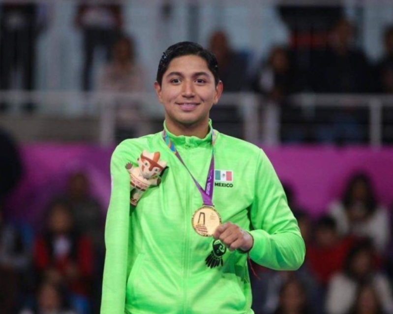Para-taekwondo star wins national sports award in Mexico