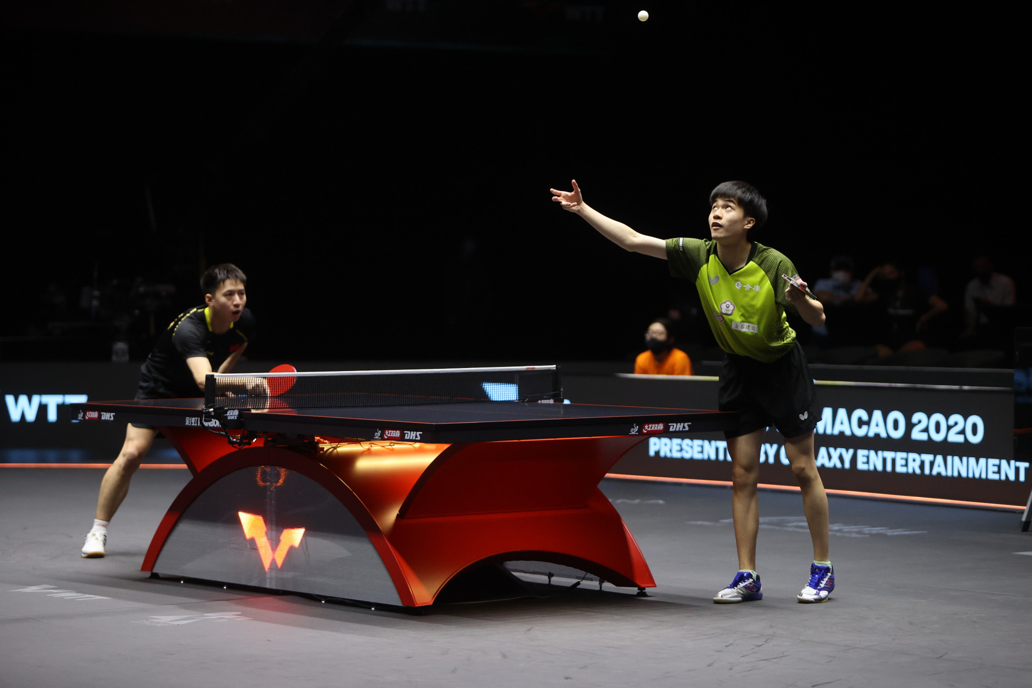 Lin Yun-ju, right, suffered a shock loss to China's Wang Bo, left ©WTT