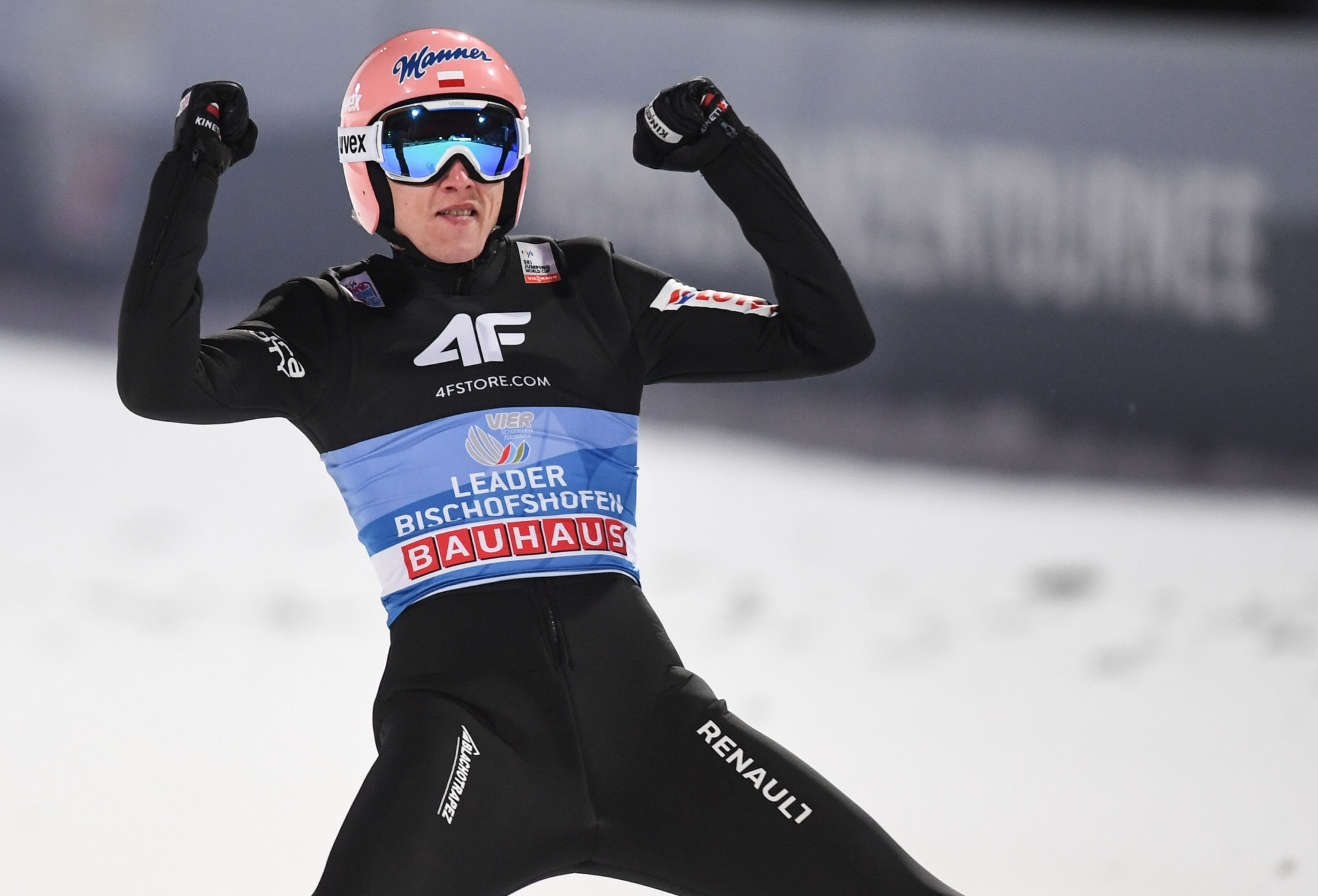 Two-time winner Stoch holds Four Hills Tournament lead entering Bischofshofen finale