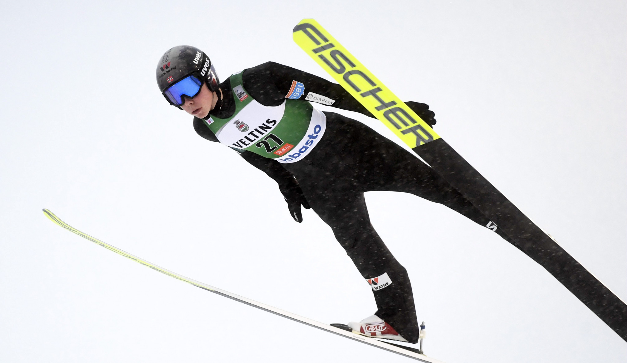 Oftebro claims first FIS Nordic Combined World Cup win in Ruka