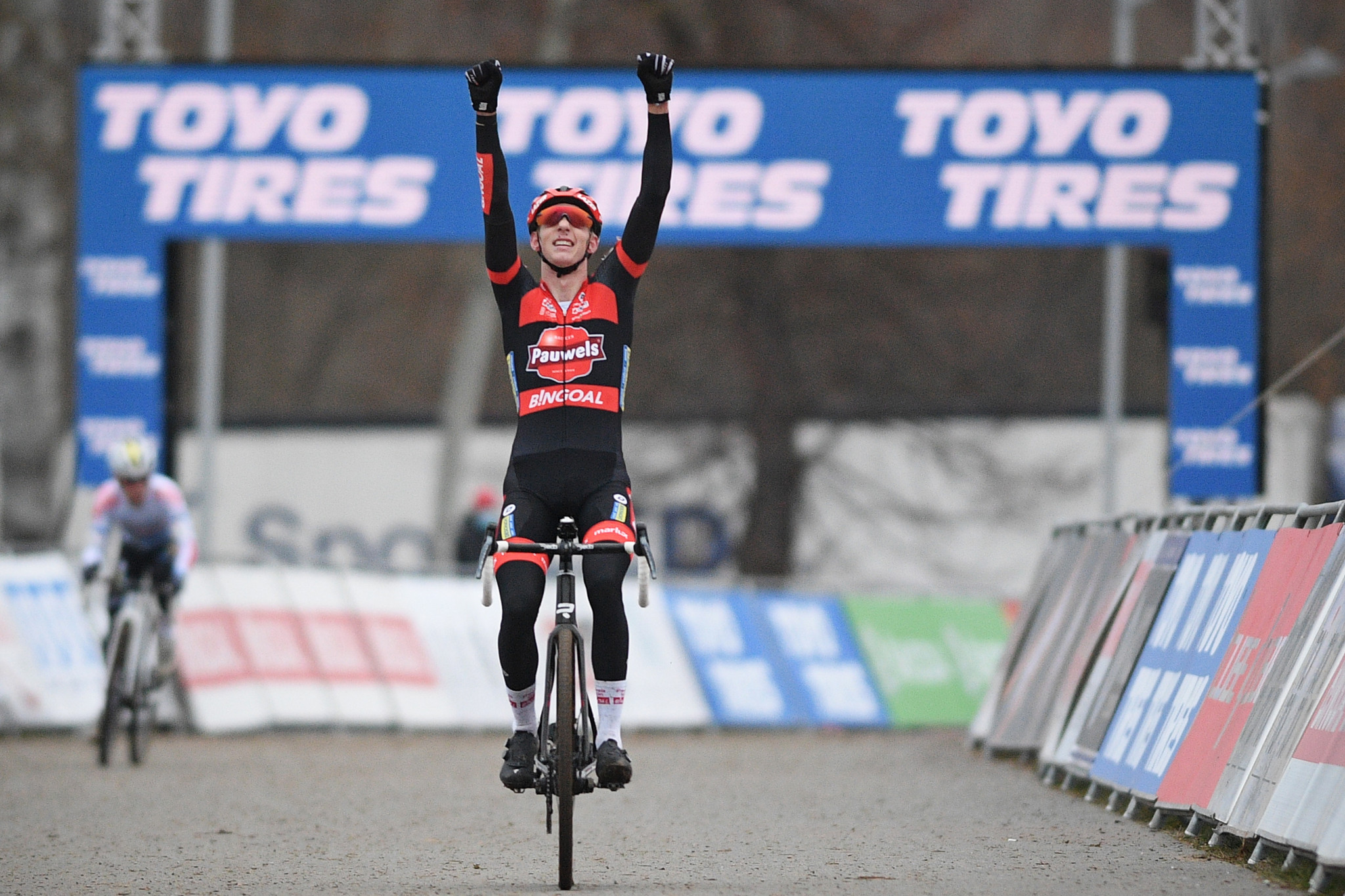 Michael Vanthourenhout celebrates his win in the men's elite race at the UCI Cyclo-Cross World Cup in Tabor ©Getty Images
