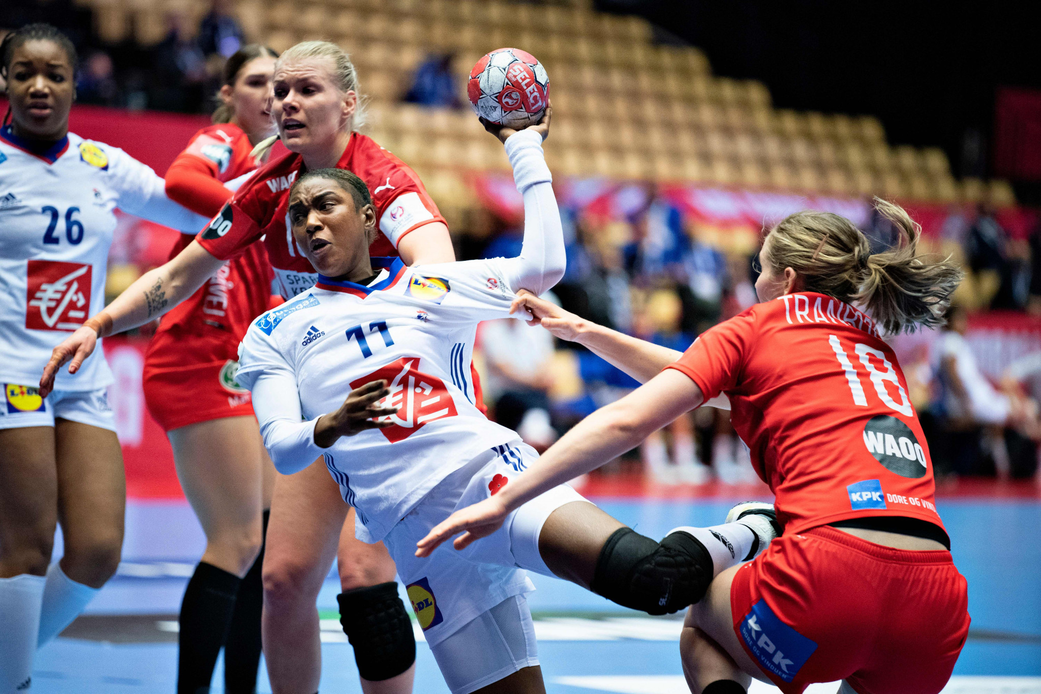 Serbia and Slovenia agonisingly knocked out of European Women's Handball Championship after one goal losses