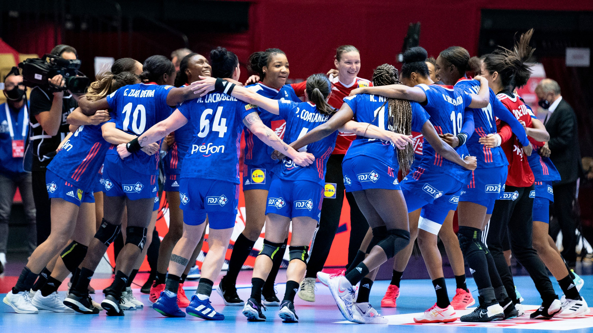 France, Russia, Croatia and Norway maintain 100 per cent records at European Women's Handball Championship