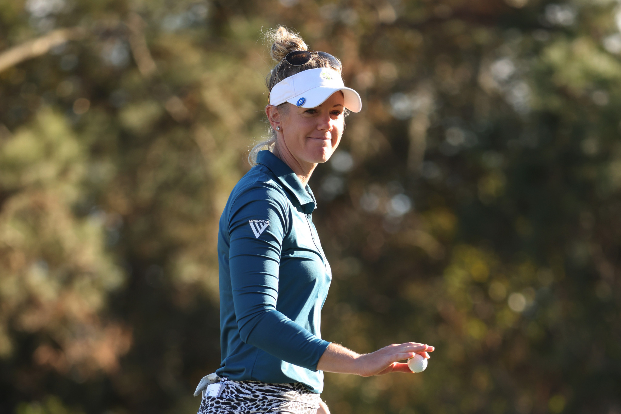 Olson holds early lead at US Women's Open after hitting hole-in-one