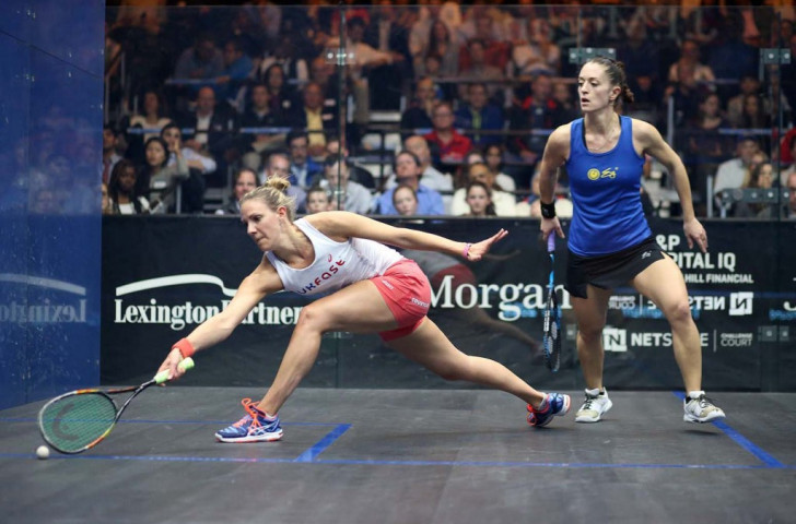 England's Laura Massaro defeated France's Coline Aumard to book her place in the quarter-finals