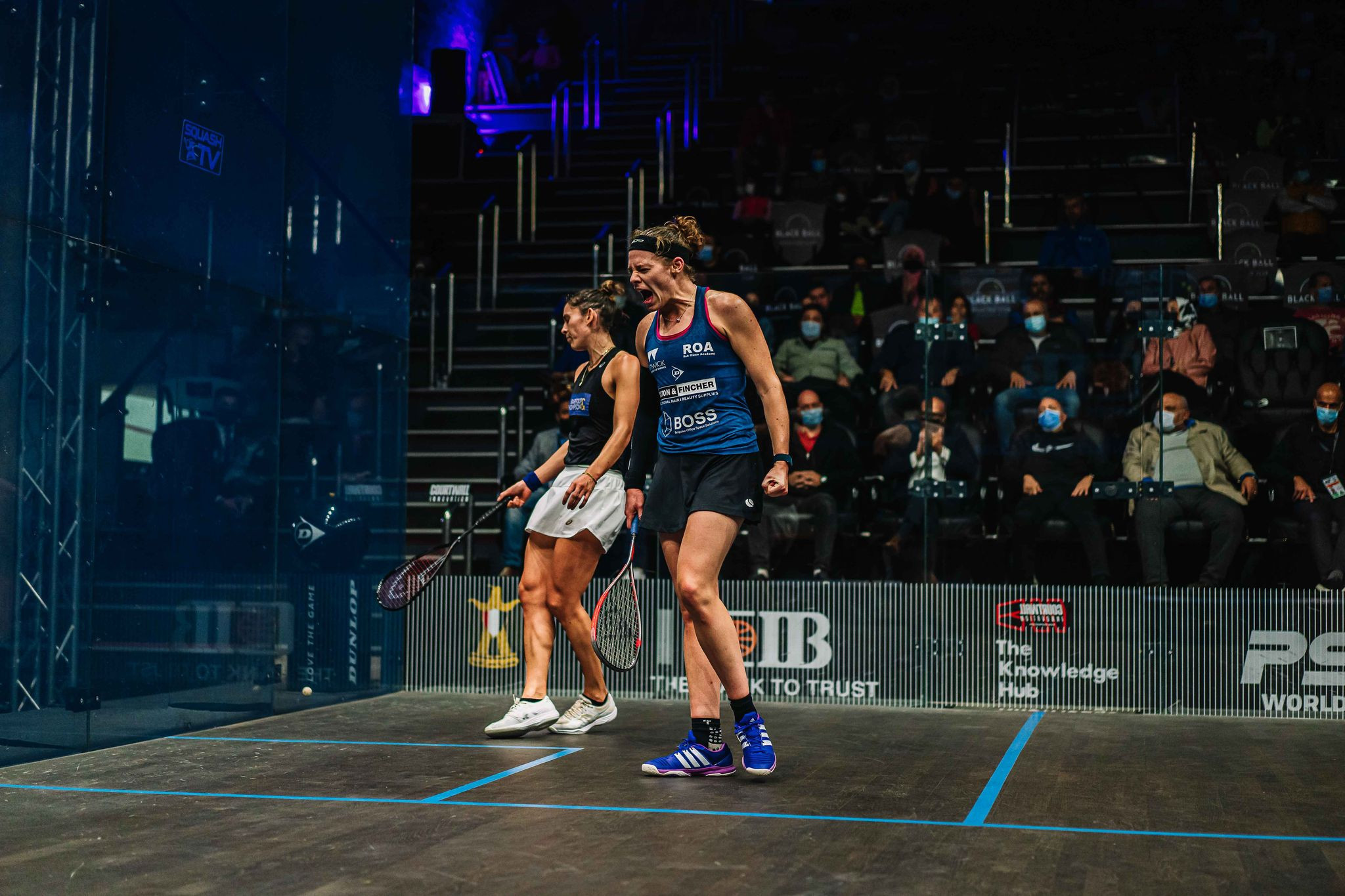 Perry and El Hammamy through to PSA Black Ball Squash Open final