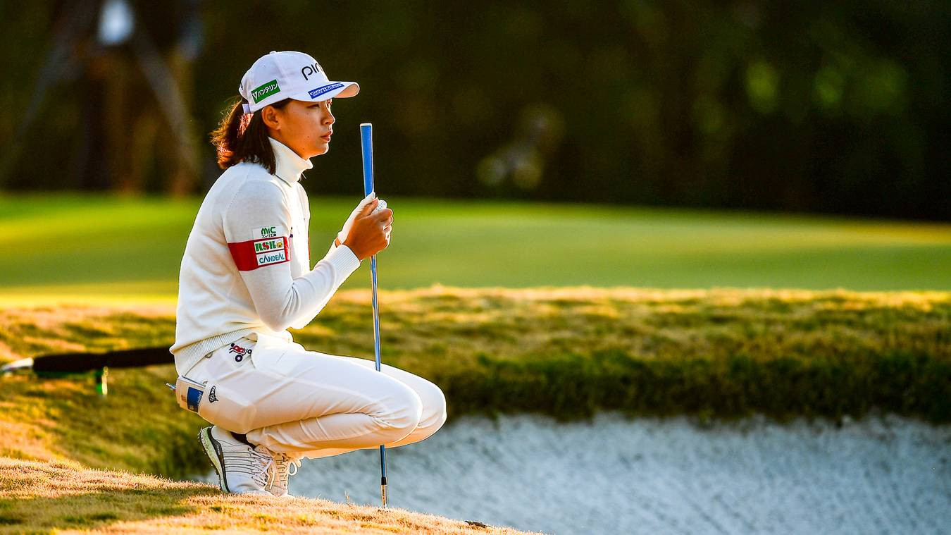 Shibuno maintains narrow lead as US Women's Open final round delayed