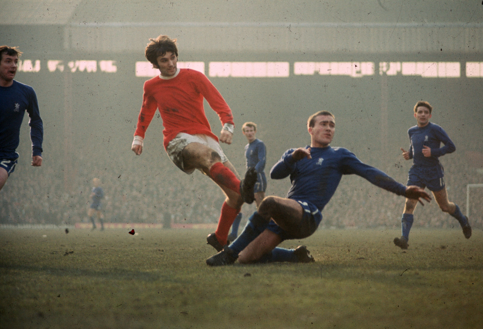 "George Best ""little black book"" sold at auction"