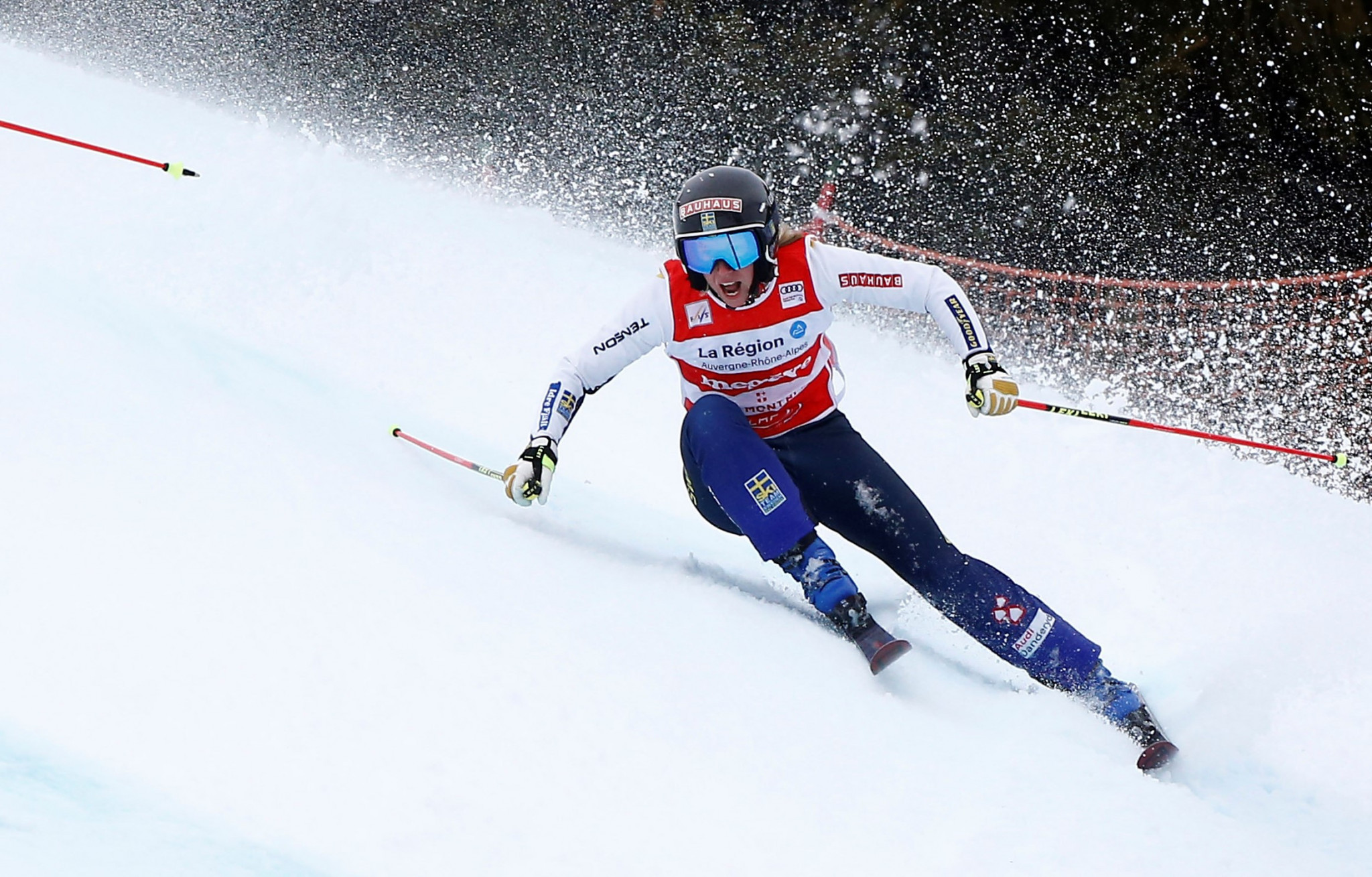 Swedes Mobärg and Edebo victorious at first FIS Ski Cross World Cup of the season