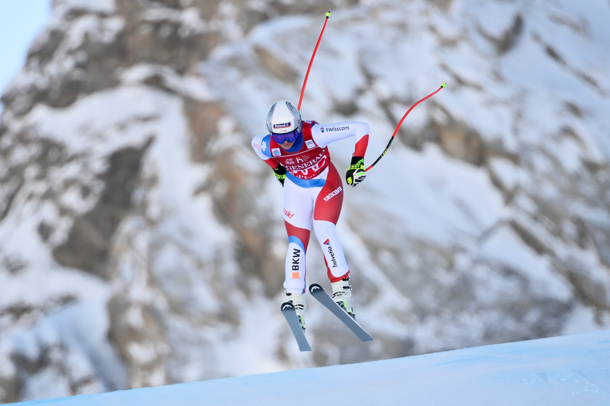 Reigning champion Suter wins first women's downhill race of World Cup season