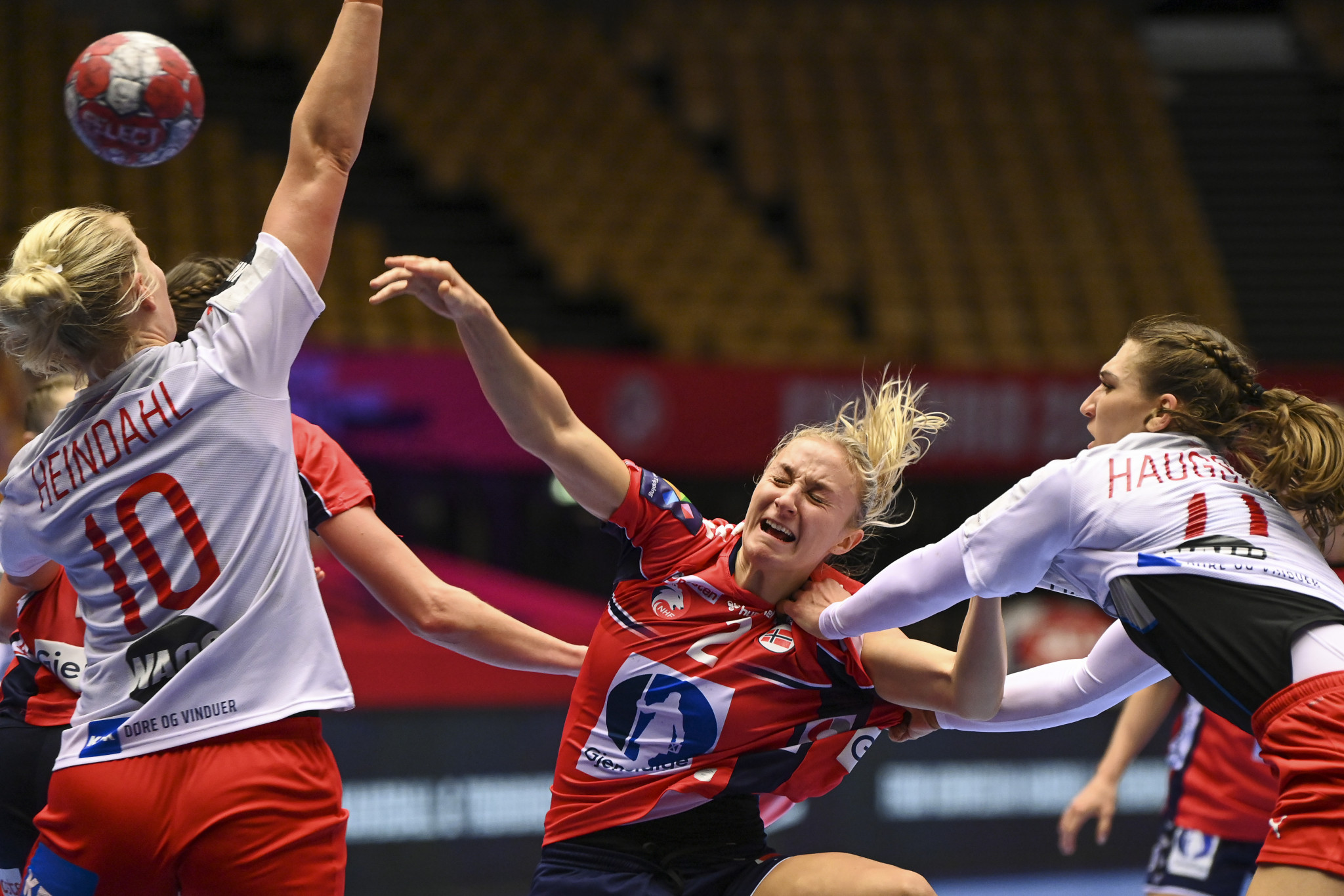 Norway (red shirts) overturned a half-time deficit to beat hosts Denmark in the semi-finals of the European Women's Handball Championship ©Getty Images