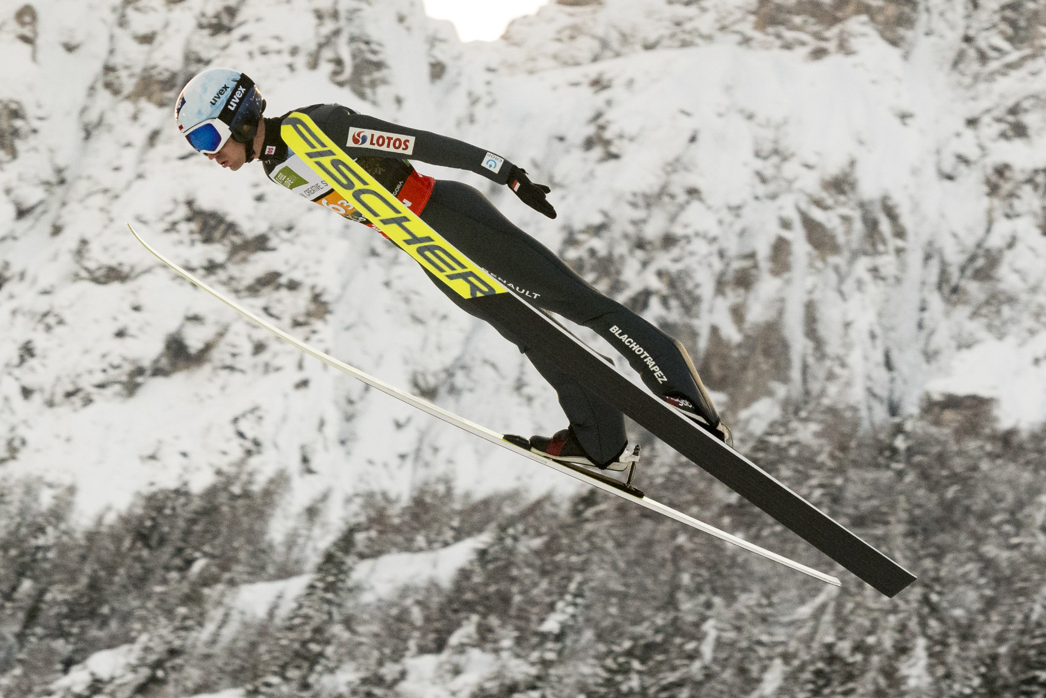 Polish ski jumpers receive late approval to compete in Oberstdorf after second COVID-19 test