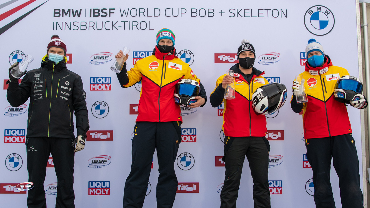 Four teams stood on the podium, with two German pairs winning the bronze medal ©IBSF