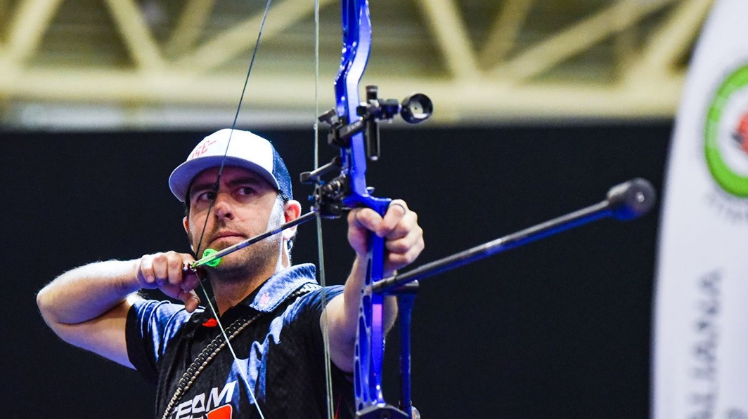 1999 World Archery champion Cousins shoots perfect score during second stage of Indoor Series
