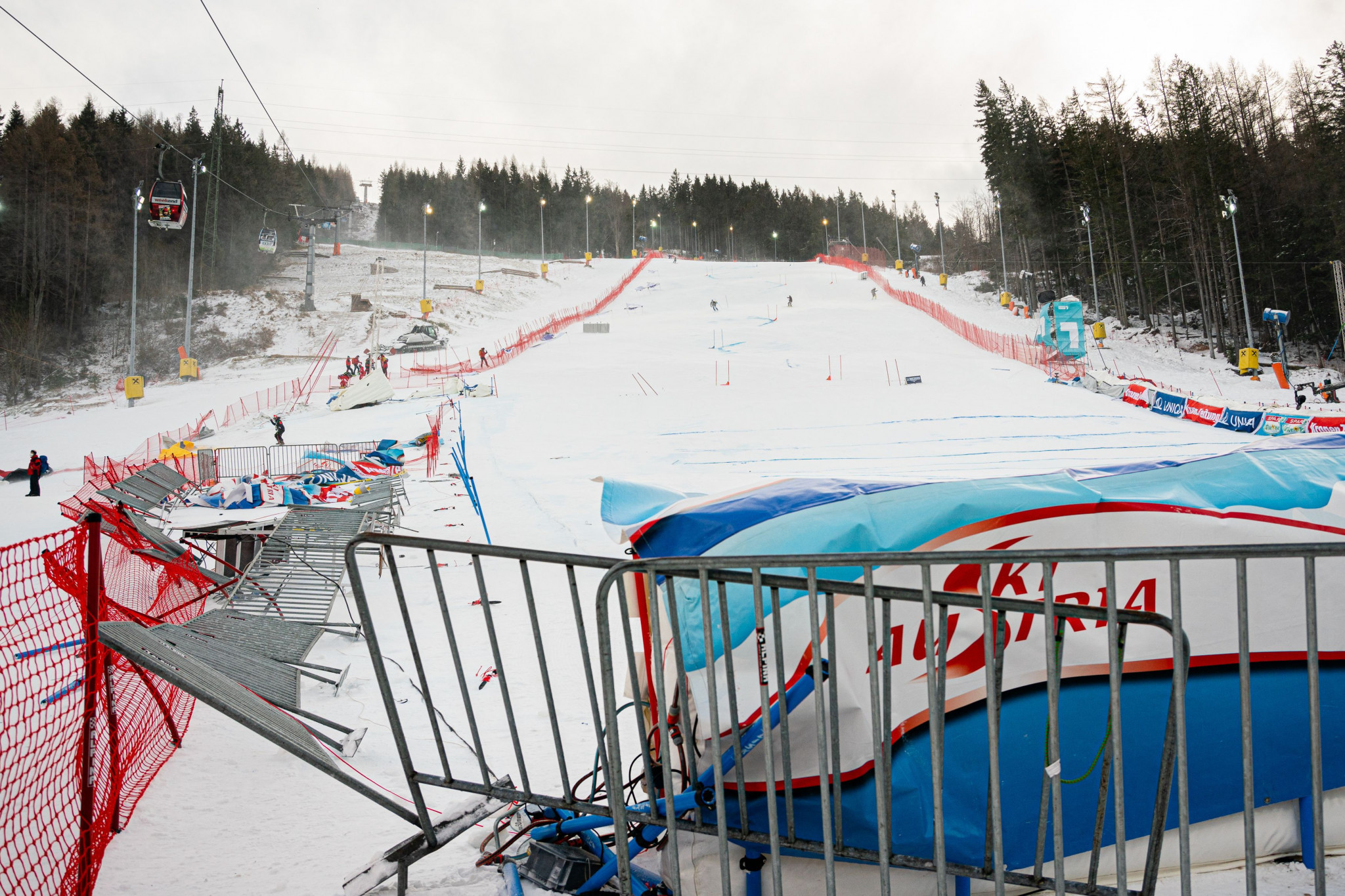 High winds cancel Semmering giant slalom with Vlhová leading after one run