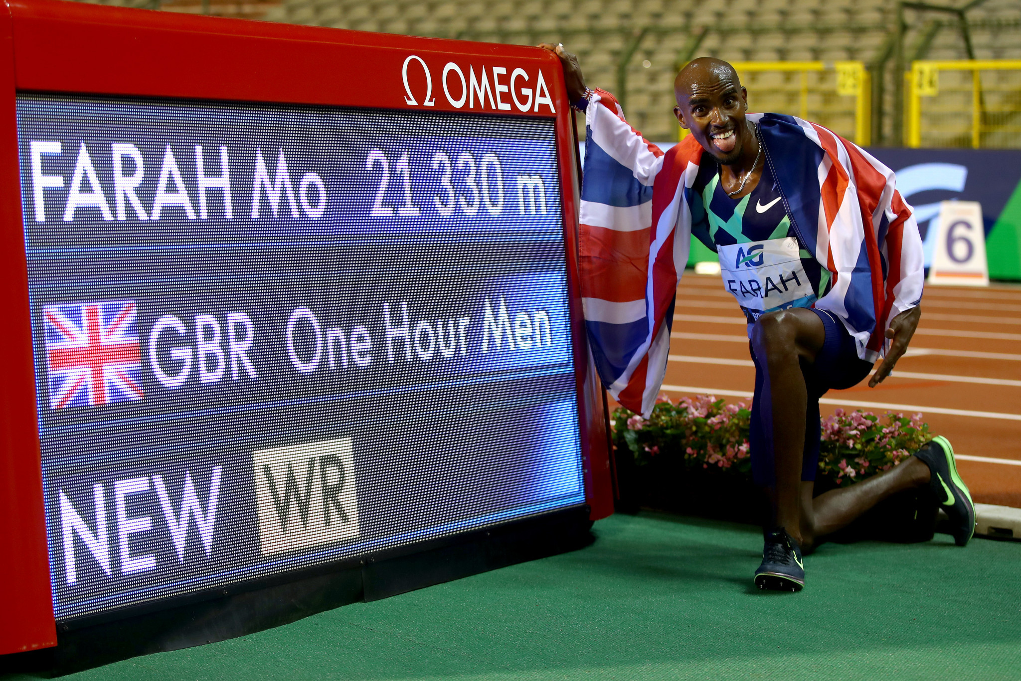 Mo Farah wore high-tech Nike spikes as he broke the men's one-hour world record in September ©Getty Images