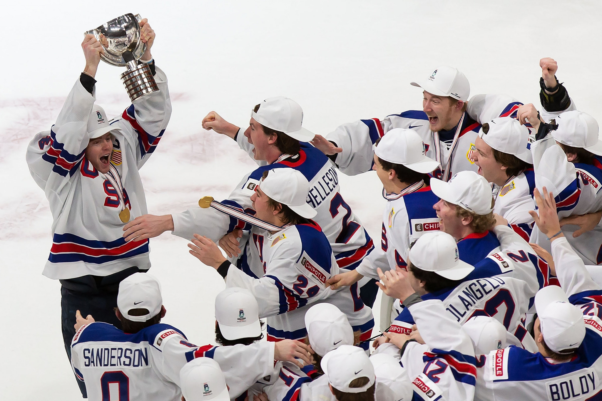 United States beat Canada to clinch fifth IIHF World Junior Championship title