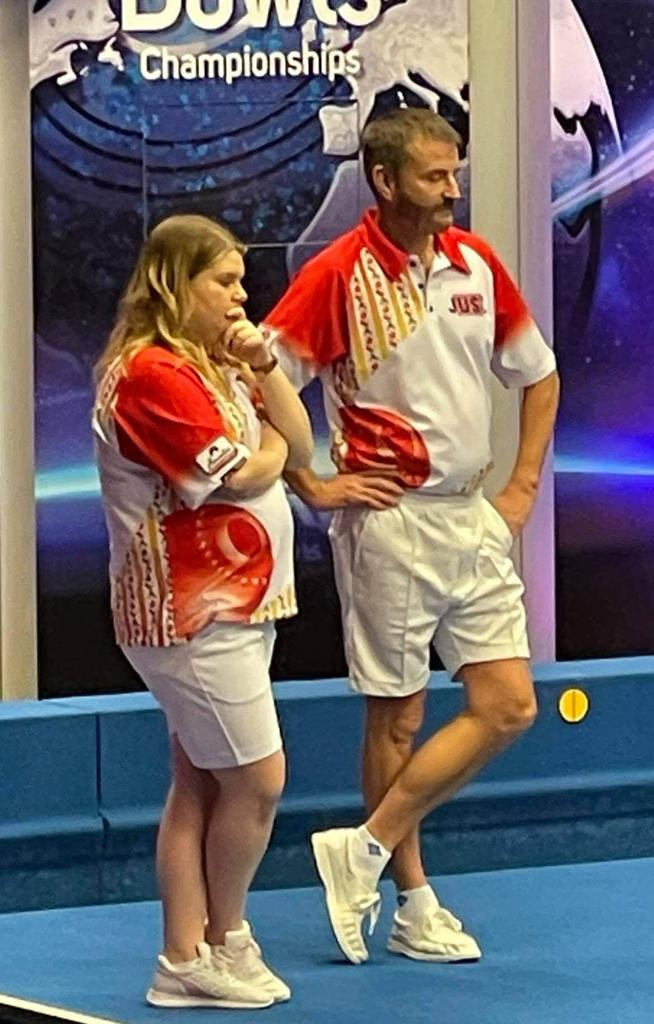 David Gourlay and Katherine Rednall reached the mixed pairs semi-finals at the World Indoor Bowls Championships after triumphing in a deciding end in the tie-break ©World Bowls Tour