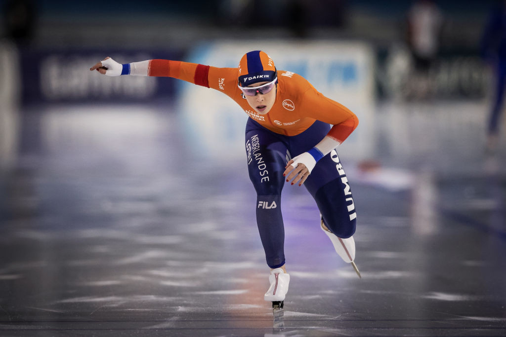 Dutch skater Antoinette De Jong leads the women's allround after claiming two bronze medals on day one ©ISU