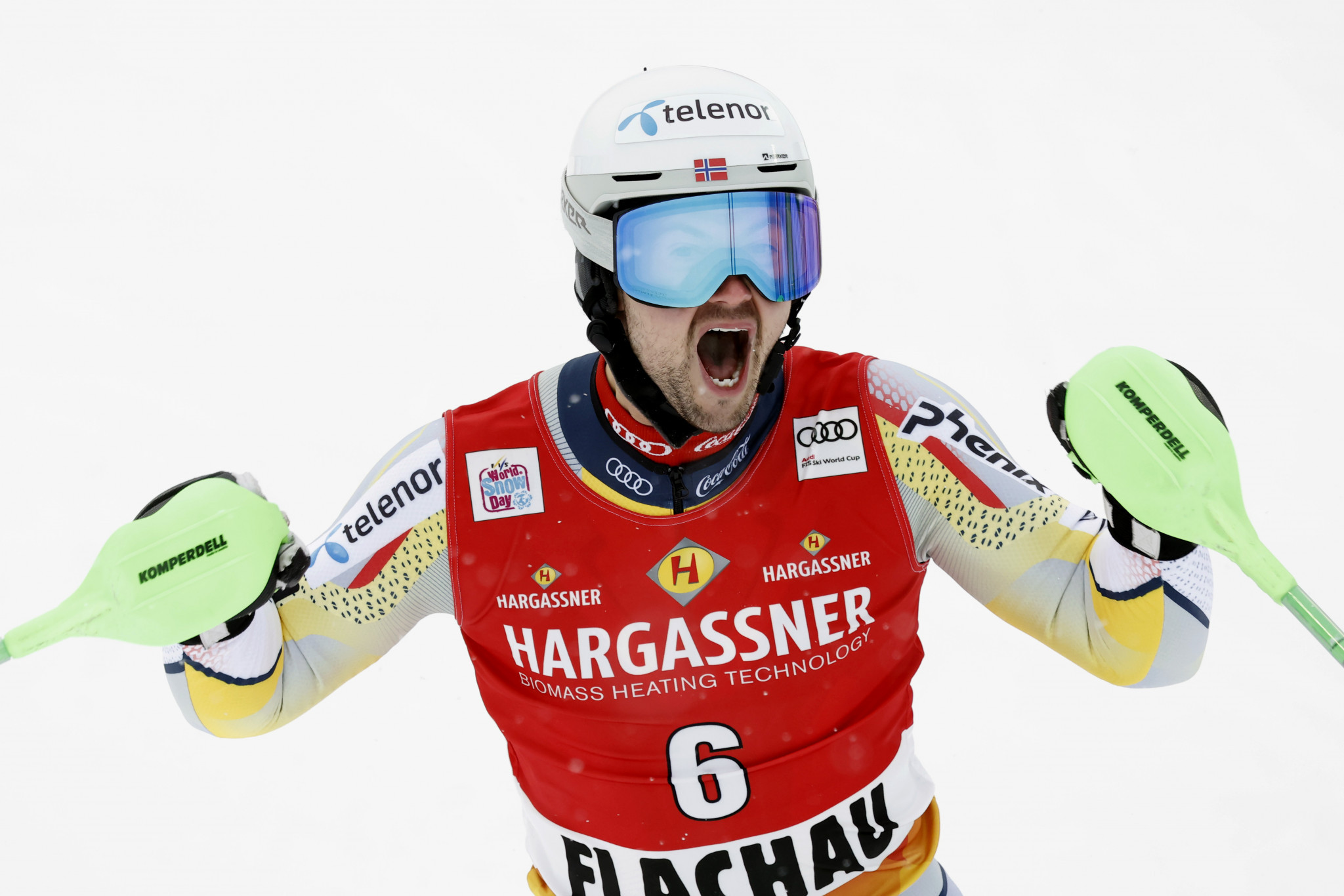 Foss-Solevåg ends long wait for first FIS Alpine Ski World Cup win in Flachau