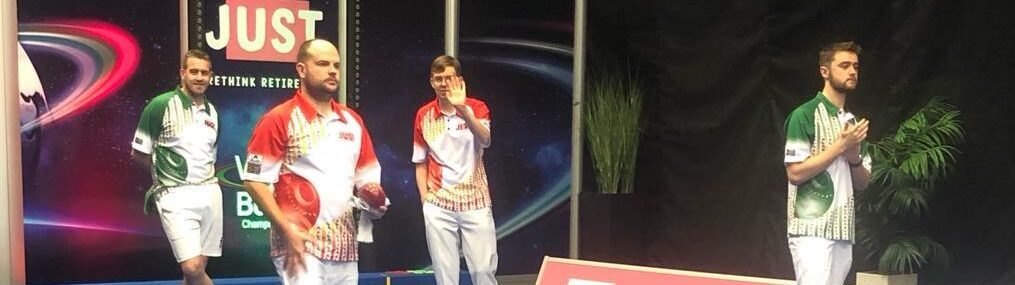 English pairing Mark Dawes and Jamie Chestney (playing in red) claimed the open pairs title at the World Indoor Bowls Championships today ©World Bowls Tour